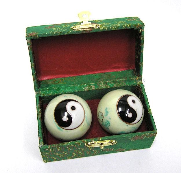 Čínské koule - zelenobílé, Jin-Jang 40mm